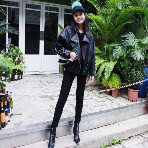 黑色寬鬆版騎士皮外套